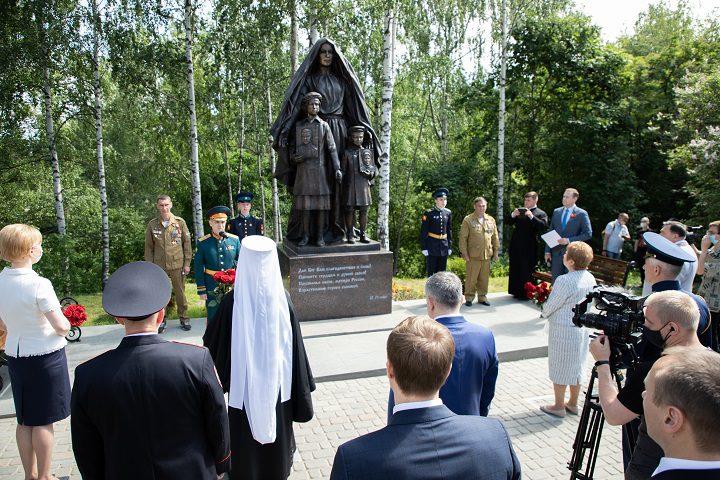 Открытие памятника Карелия 01