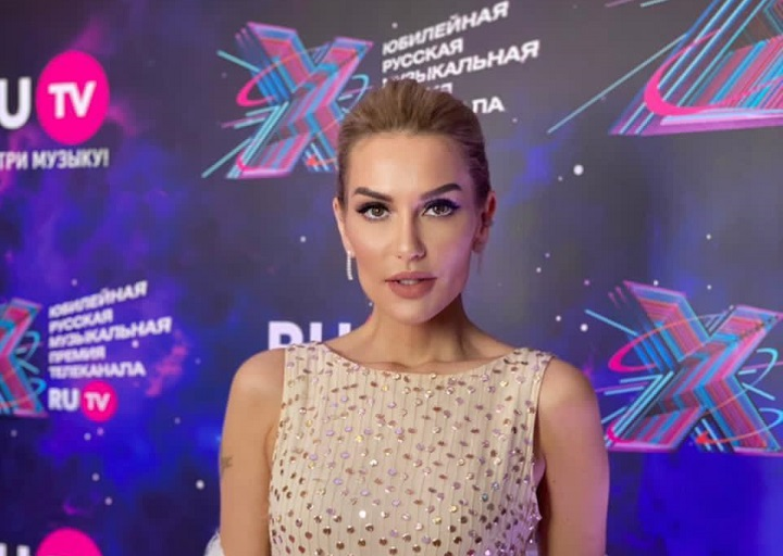 Таша Белая на премии RU TV